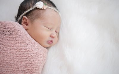 Newborn Photography | Simply Baby by White Wave Photography