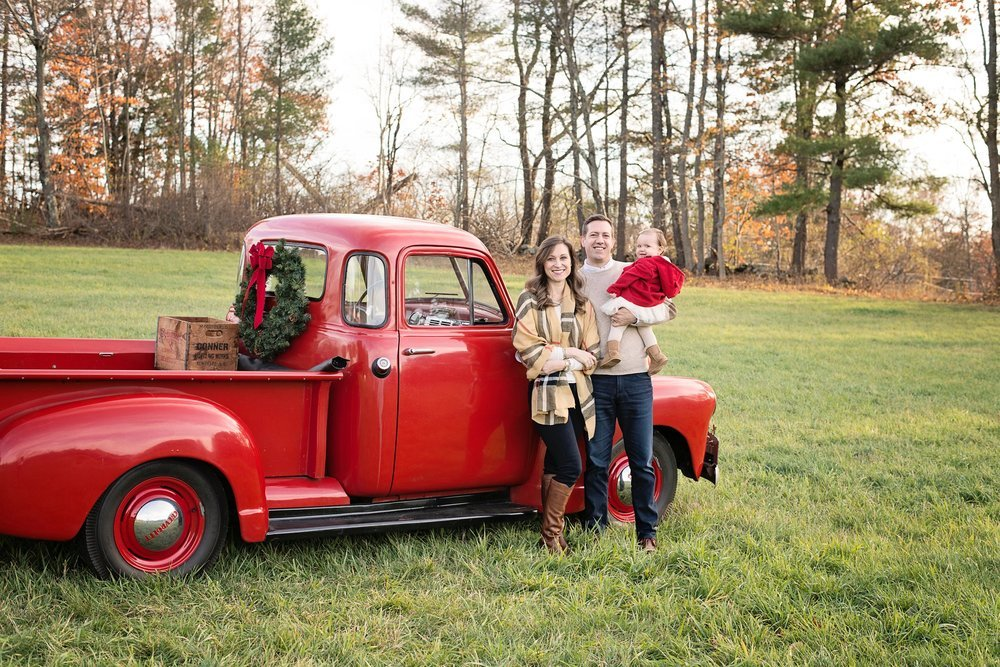 Holiday-Mini-Sessions, Christmas-Mini-Sessions, White-Wave-Photography, NH-Family-Photographer