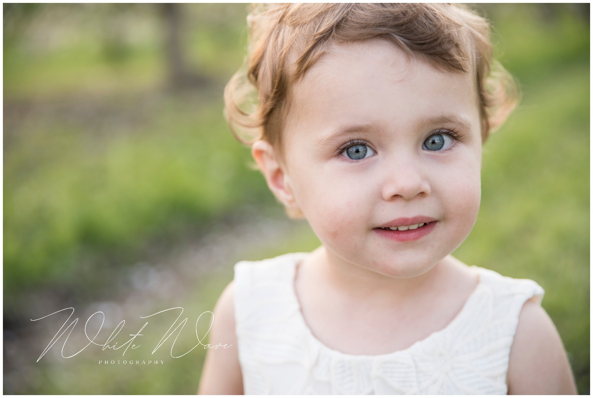 your family photographer Jennie Bishop shares tips on what to wear for your spring session