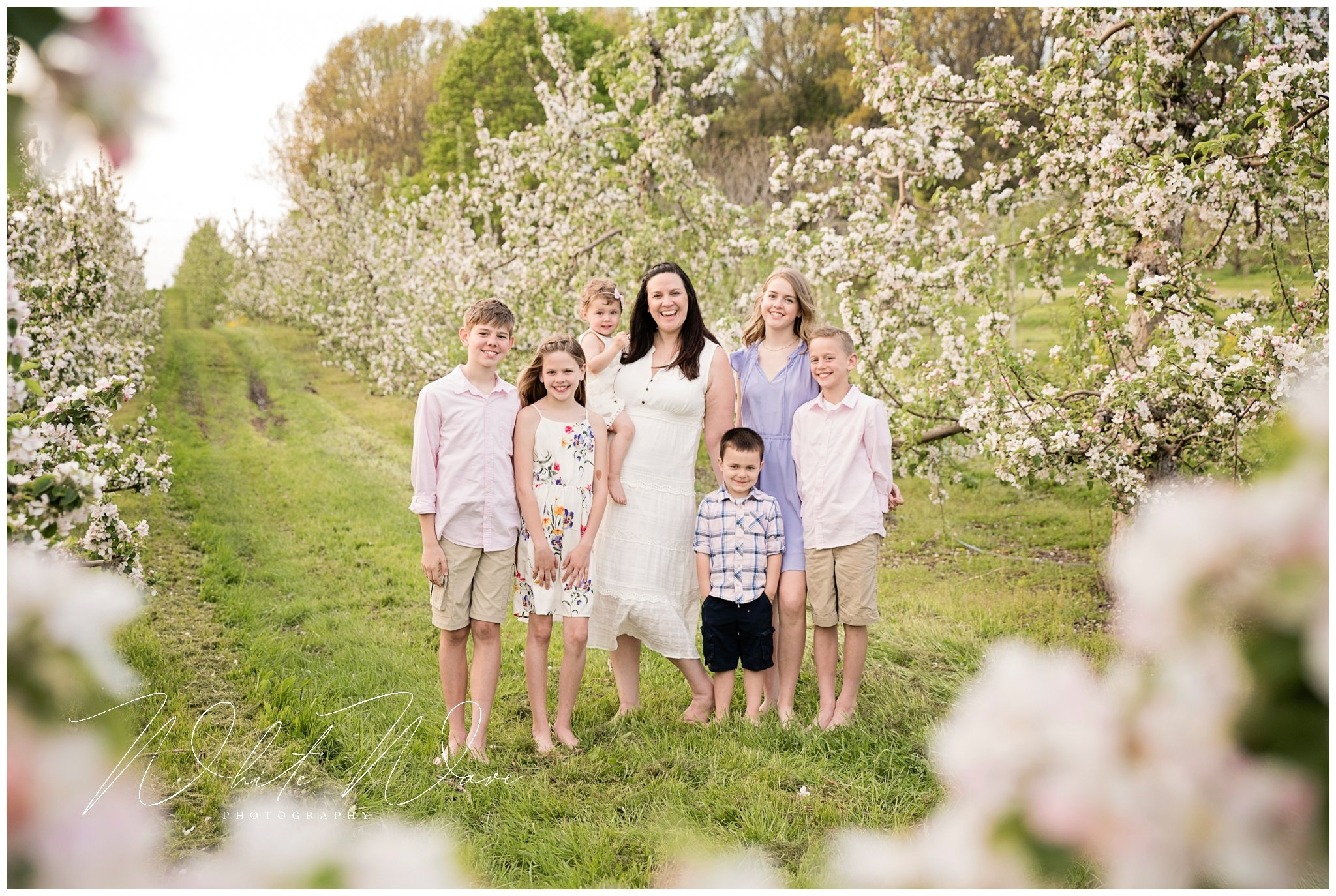 gorgeous seaside family portrait by Jennie Bishop of White Wave Photography